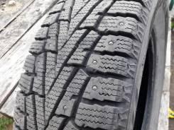Roadstone. Зимние, шипованные, 2017 год, без износа, 2 шт