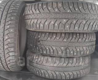 Bridgestone Ice Cruiser 7000. Зимние, шипованные, 2015 год, 10%, 4 шт
