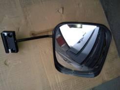 Зеркало двери багажника.