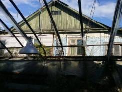 Продаётся участок с половиной дома на Садгороде !. 1 400кв.м., собственность, электричество, вода