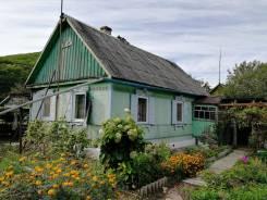 Продам уютный дом в Углекаменске. Калинина, р-н Углекаменск, площадь дома 49кв.м., скважина, электричество 2 кВт, отопление твердотопливное, от част...