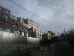Продам квартиру в доме блокированной застройки (таунхаус). Улица Залесная 25в, р-н Заря, площадь дома 132кв.м., централизованный водопровод, электри...