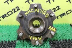 Ступица. Mitsubishi Pajero, V63W, V64W, V65W, V66W, V67W, V68W, V73W, V74W, V75W, V76W, V77W, V78W, V83W, V85W, V86W, V87W, V88V, V88W, V93W, V95W, V9...