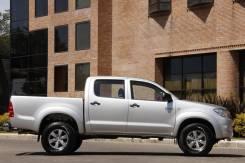 Toyota Hilux. ПТС Toyota HIlux 2013г, серебристый 2,5