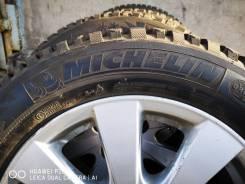 Michelin X-Ice North 3. Зимние, шипованные, 2014 год, без износа, 4 шт