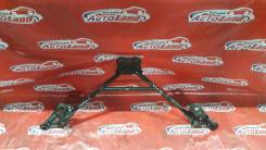 Крепление рычага подвески. Toyota Mark II, JZX110 Двигатель 1JZFSE