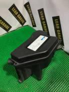 Крышка коробки блока efi. Toyota Verossa, JZX110 Toyota Mark II, JZX110
