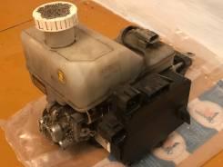 Цилиндр главный тормозной. Mitsubishi Pajero, V63W, V65W, V67W, V68W, V73W, V75W, V77W, V78W, V83W, V85W, V87W, V88V, V88W, V93W, V95W, V97W, V98V, V9...