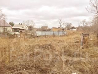 Продаётся земельный участок. 1 000кв.м., собственность, электричество, вода, от агентства недвижимости (посредник). Фото участка