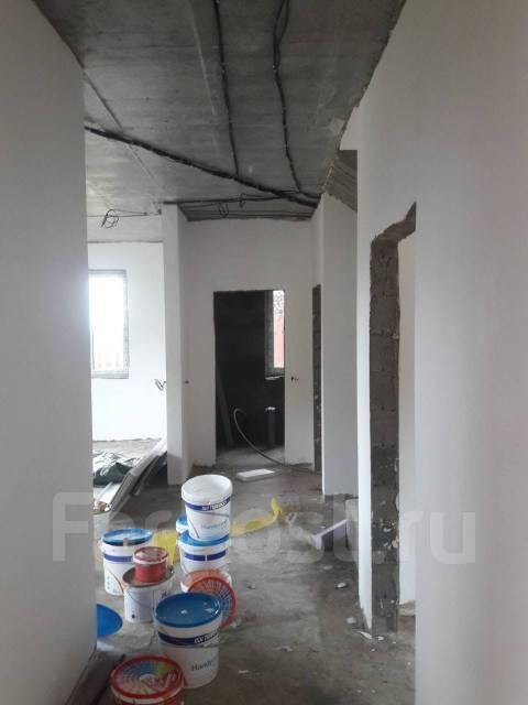 Продам Новый Дом !. р-н Партизанский, площадь дома 154кв.м., скважина, электричество 15 кВт, от частного лица (собственник). Прихожая