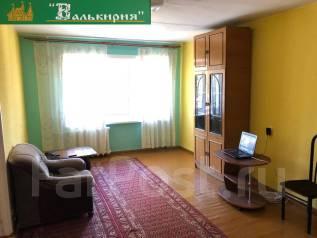 1-комнатная, проспект 100-летия Владивостока 55. Столетие, агентство, 32кв.м. Вторая фотография комнаты