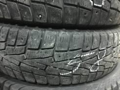 Roadstone. Зимние, шипованные, 2012 год, 60%, 2 шт