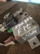 Блок управления рулевой рейкой. Honda Fit