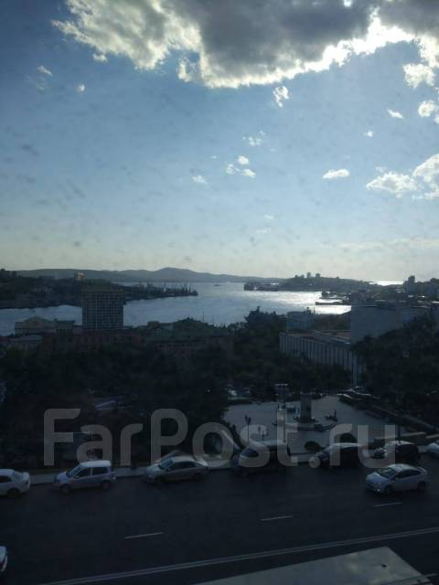 3-комнатная, улица Суханова 11. Центр, частное лицо, 63кв.м. Вид из окна днём