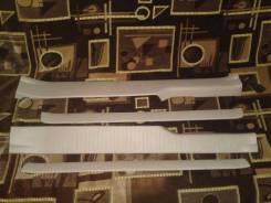 Накладки на порог задние комплект с аукционного автомобиля Toyota Ipsum