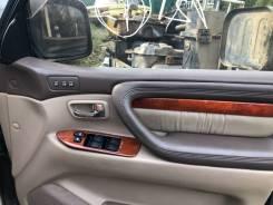Обшивка двери. Toyota Land Cruiser Cygnus