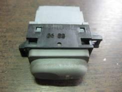 Кнопка стеклоподъемника. Renault Scenic Двигатели: E7J, F3R, F4P, F4R, F8Q, F9Q, K4J, K4M, K7M