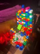 Конструктор детский плюс кубики (очень много) бонус игровой коврик