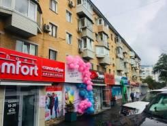 Магазин - 171 м- Столетие - первая линия. 171кв.м., проспект 100-летия Владивостока 51, р-н Столетие. Дом снаружи