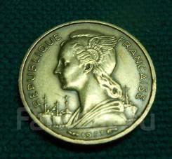 Мадагаскар Редкие 10 франков 1953 год. Бронза