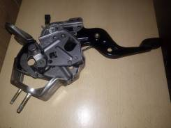 Педаль ручника. Nissan Maxima, A33 Nissan Cefiro, A33