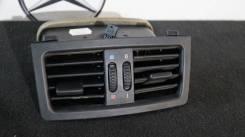Решетка вентиляционная. BMW 5-Series, E60 Двигатели: M54B22, M54B25, M54B30