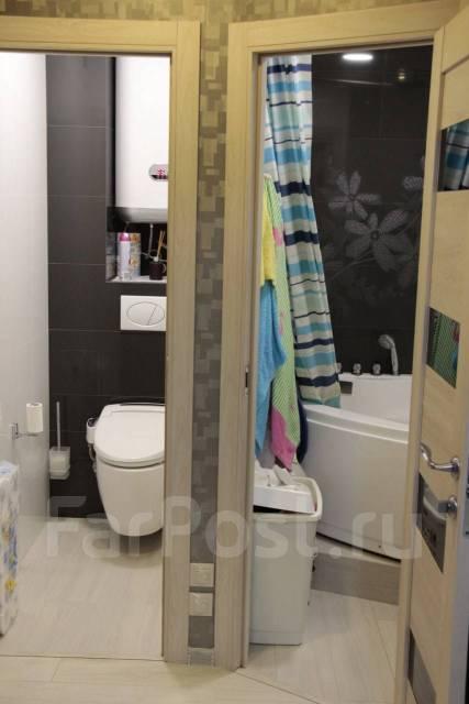 3-комнатная, улица Невельского 21. 64, 71 микрорайоны, частное лицо, 55кв.м. Сан. узел