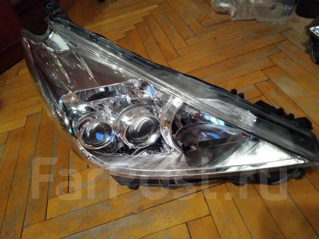 Фара LED правая Toyota Prius Alpha/Plus/V ZVW40/ZVW41 ПР