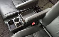 Бардачок. Toyota Voxy, ZRR80G, ZRR80W, ZRR85G, ZRR85W, ZWR80G, ZWR80W Toyota Noah Двигатели: 2ZRFXE, 3ZRFAE