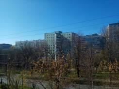 2-комнатная, улица Кирова 8. Вторая речка, агентство, 44кв.м. Вид из окна днём
