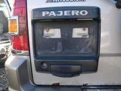 Накладка на дверь багажника. Mitsubishi Pajero, V63W, V65W, V66W, V67W, V68W, V73W, V75W, V76W, V77W, V78W Mitsubishi Montero, V63W, V65W, V66W, V67W...