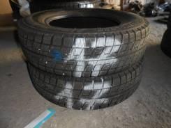 Bridgestone Blizzak Revo2. Зимние, без шипов, 2011 год, без износа, 2 шт