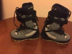 Детские сноубордические ботинки размер 36