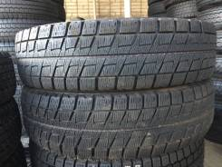 Bridgestone Blizzak Revo2. Зимние, без шипов, 2012 год, 10%, 2 шт