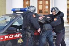 Полицейский-водитель. Отдел вневедомственной охраны по городу Уссурийску. Г. Уссурийск, улица Калинина 11