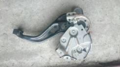 Педаль ручника. Infiniti QX56, JA60 Двигатель VK56DE