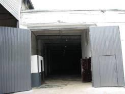 Сдам склад в аренду. 300кв.м., улица Фадеева 49, р-н Фадеева. Дом снаружи