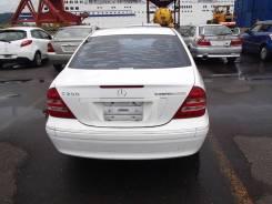 Задняя часть автомобиля. Mercedes-Benz C-Class, W203