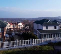Сдается коттедж в элитном посёлке Радово-1 во Владивостоке. От частного лица (собственник). Вид из окна