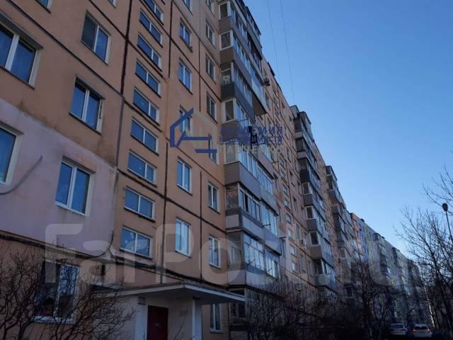 2-комнатная, улица Котельникова 28. Баляева, проверенное агентство, 47кв.м. Дом снаружи