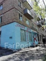 Продается торговое помещение на Юмашева 14 во Владивостоке. Улица Адмирала Юмашева 14, р-н Баляева, 60кв.м. Дом снаружи