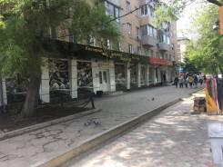 Сдается торговое помещение в аренду под обувной магазин(или иное). 123кв.м., улица Площадь Ленина 4, р-н Центр. Дом снаружи