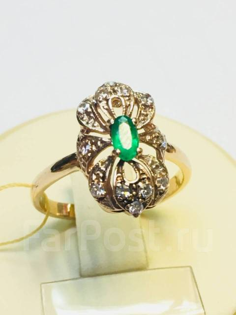 Золотое кольцо (585 ) 3,0 гр. с изумрудом с бриллиантами 0,20 во  Владивостоке 07cccf479de