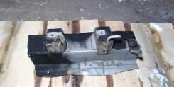 Деталь кузова кронштейн для подвесного подшипника кардана