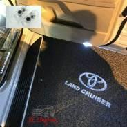 Проекция в двери Toyota Land Cruiser 200