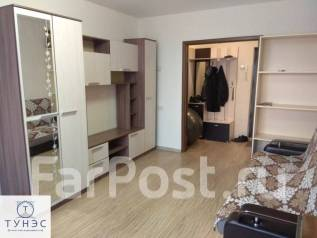 2-комнатная, улица Нейбута 21. 64, 71 микрорайоны, проверенное агентство, 50кв.м.