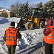 Уборка снега с кровли, очистка территорий и вывоз снега.