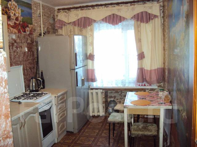3-комнатная, улица Гоголя 43. Центральный, частное лицо, 68кв.м.
