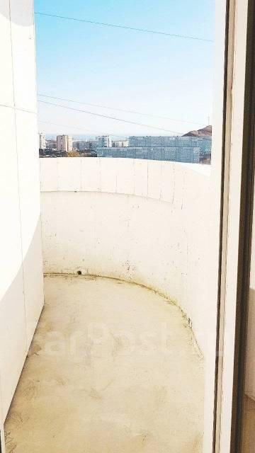 2-комнатная, улица Сабанеева 14в. Баляева, частное лицо, 69кв.м.