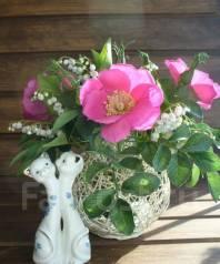 Цветы лета Ландыши и шиповник ручной работы